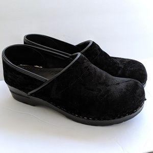 Dansko Professional Clog Black Velvet Size 41